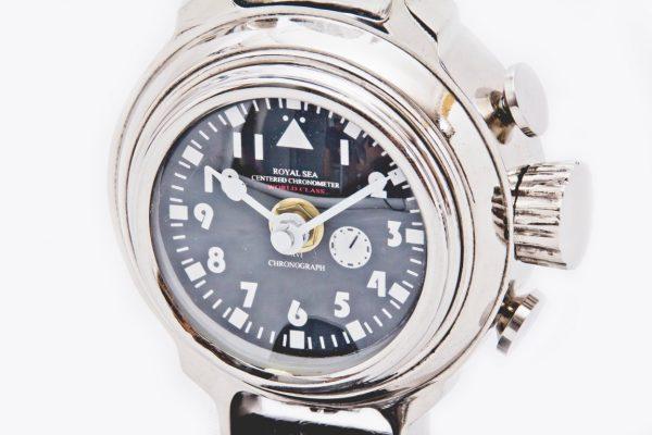 czarna tarcza zegara
