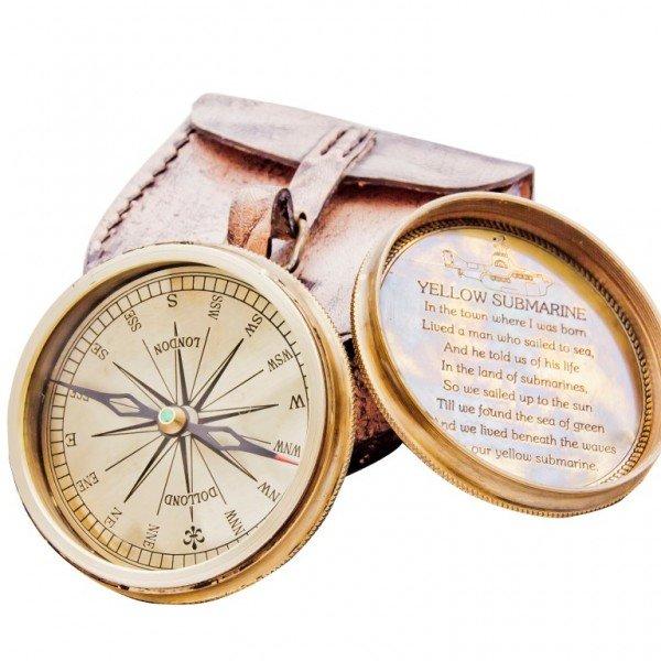 kompas z pokrywką