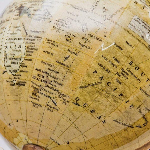 Globus z mosiężną obręczą 3