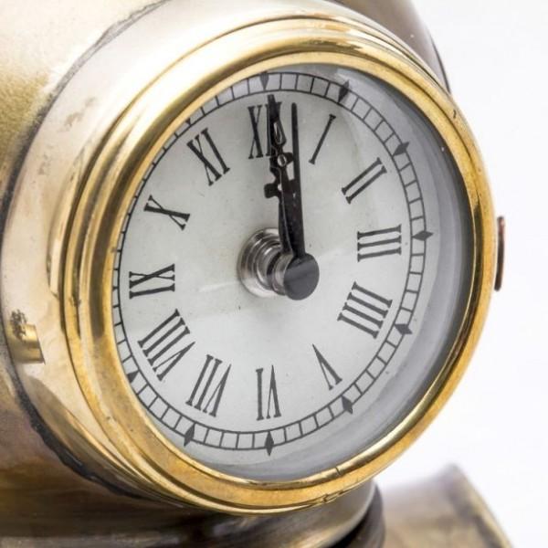 zegar w hełmie nurka
