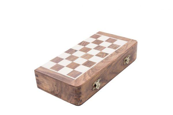 duża, drewniana zamykana plansza do gry