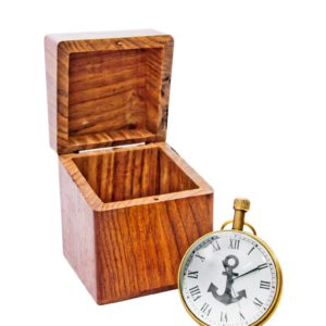 zegarek z pudełkiem