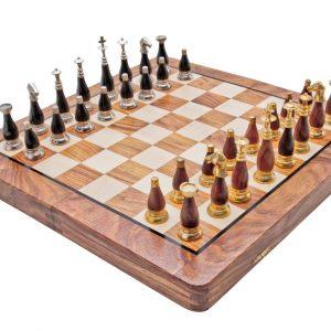 szachy zdobione mosiądzem