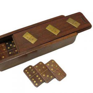 Drewniane domino w pudełku