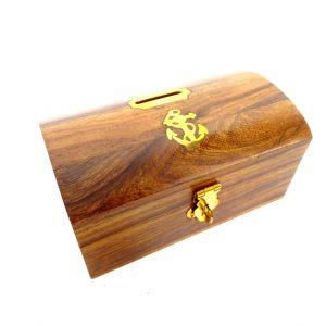 Półokrągła skarbonka drewniana z kotwiczką