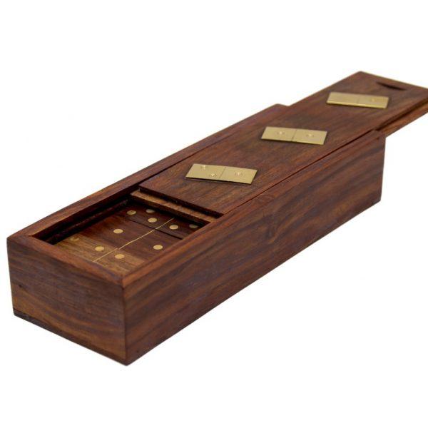domino w zasuwanym pudełku