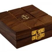 Pudełko ozdobione kotwicą