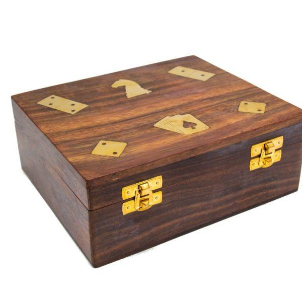 pudełko z symbolami gier