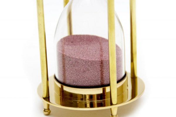 Różowy piasek klepsydry