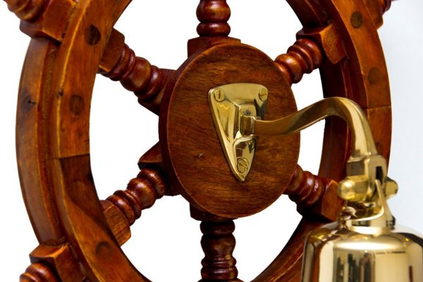 Drewniane koło sterowe