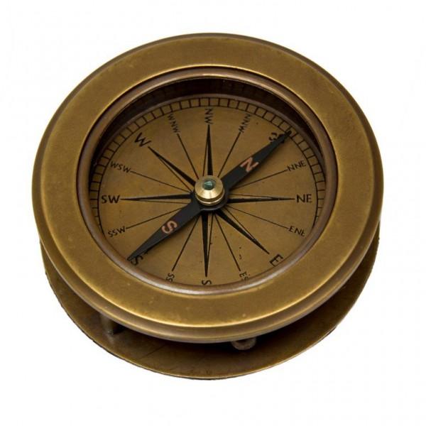 Mosiężny kompas ze szkłem powiększającym