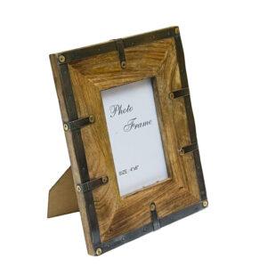 Ramka na zdjęcie drewniane z metalowymi okuciami