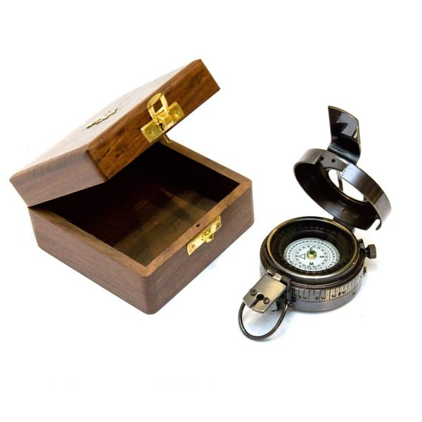 kompas militarny w pudełku