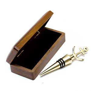 korek do wina z drewnianym, eleganckim pudełku