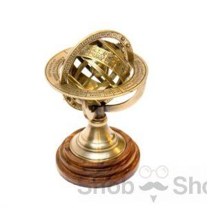 małe astrolabium mosiądz i drewno