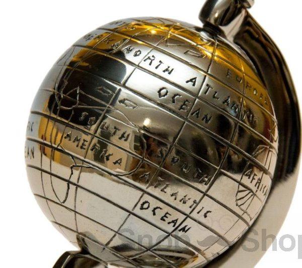 metalowy globus grawerowany