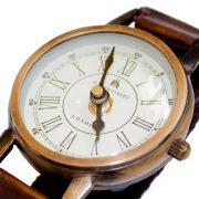 Stojący zegar na biurko2