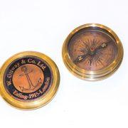 kompas w pudełku