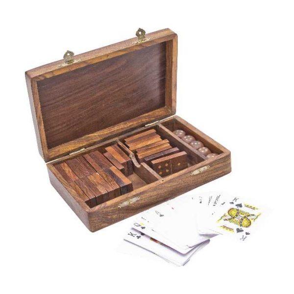 domino, kości, karty w pudełku