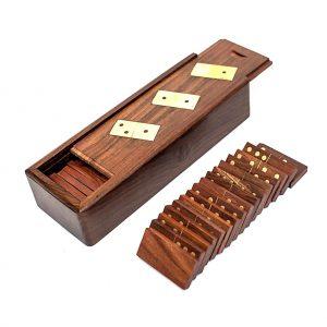 domino z pudełkiem