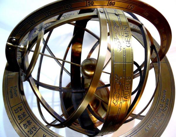 duże astrolabium