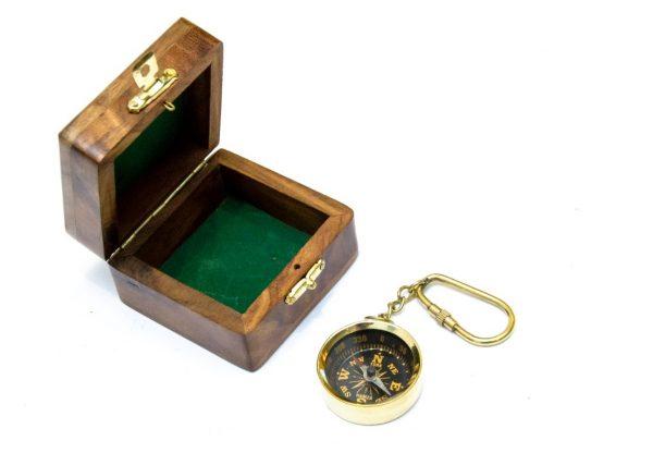 Breloczek - kompas mosiężny w pudełku z palisandru