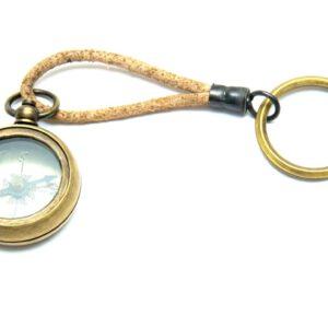 Breloczek - kompas na rzemyku