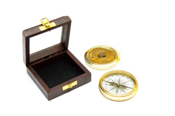 Mosiężny kompas