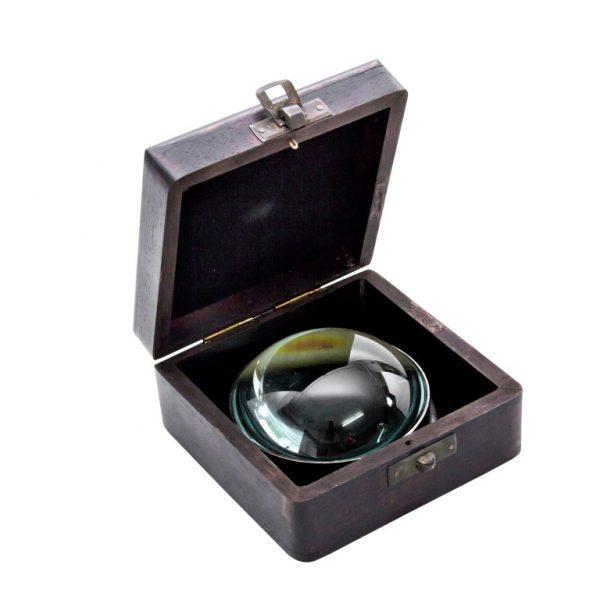Mosiężny kompas soczewkowy w pudełku drewnianym
