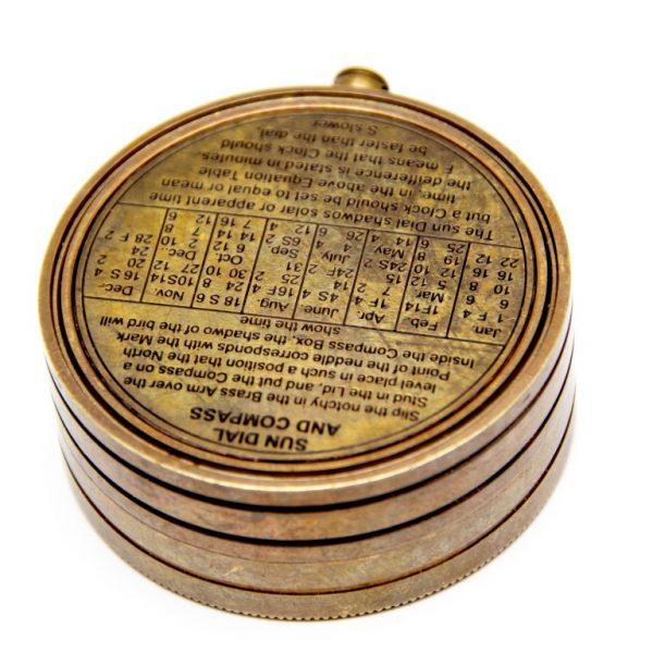 Mosiężny zegar słoneczny z kompasem