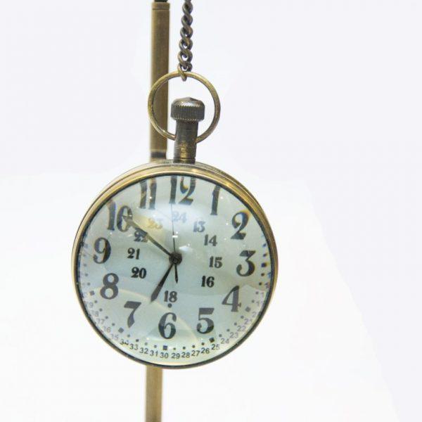 tarcza zegara na zawiesiu