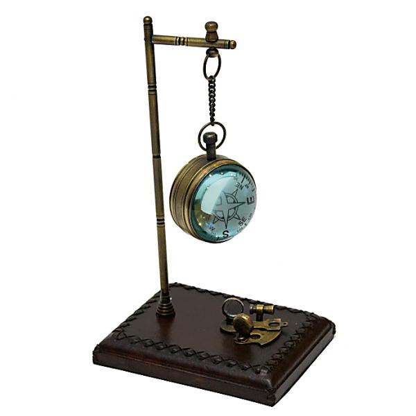 zegarek na stojaku