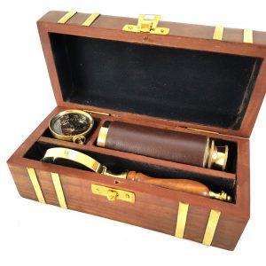 Mosiężny kompas, luneta i szkło powiększające w pudełku z palisandru
