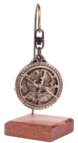 Miniaturowe astrolabium mosiężne na zawiesiu