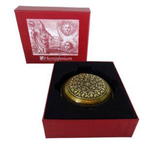 Urania prioprita - kompas mosiężny z zegarem słonecznym