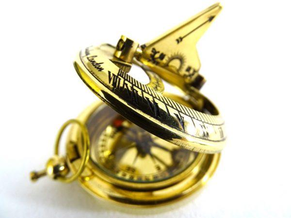 Kompas z zegarem słonecznym - 2
