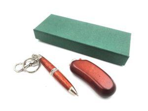 Zapalniczka i długopis w kartoniku